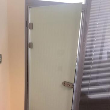 Тонировка стекла межкомнатных дверей