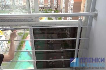 Процесс тонирование балконных стекол в новой Москве