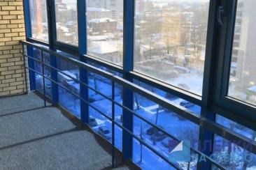 Тонирование нижней части балкона голубой пленкой